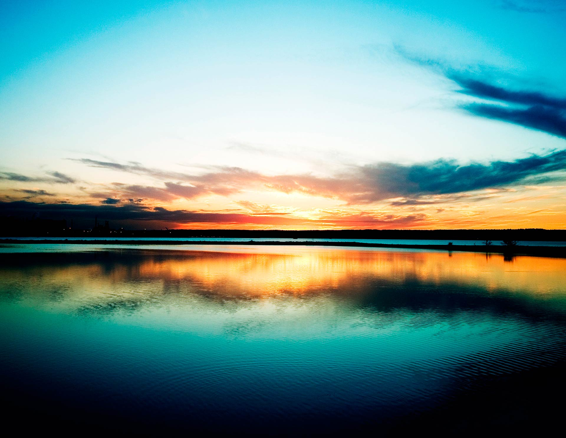 lake-sunset-wallpaperrippling-mirror-lake-at-sunset-wallpaper-dreams-vo4nu7wo